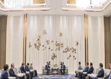 张旭范晓莉赵乐秦李彬共同会见驻华使节代表和中