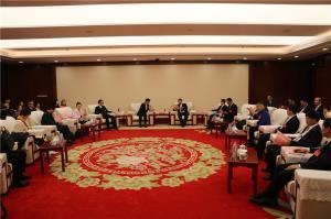 市领导会见港澳委员 知名人士委员和特邀嘉宾